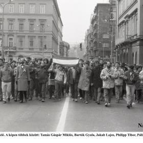Útban a Kossuth tér felé