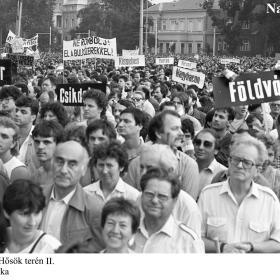 Demonstrálók a Hősök terén II.