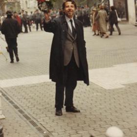 Kőszeg Ferenc a Vörösmarty téren