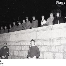 Figyelő rendőrök