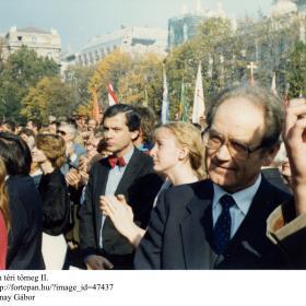A Kossuth téri tömeg II.
