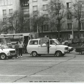 A demonstrálók járművei az 1989. április 17-i tüntetésen